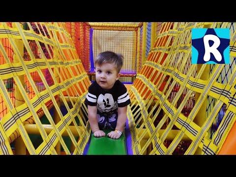 Detskij-Razvlekatelnyj-TSentr-s-Gorkami-i-Batutami-Indoor-Playground-Family-Fun-Play-Area-for-kids
