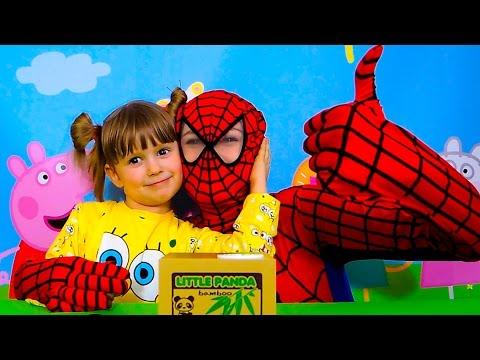 Spiderman.-NASTYA-i-CHELOVEK-PAUK.-PANDA-I-SPAJDER-MEN.-Igry-dlya-detej.Spider-Men-toys