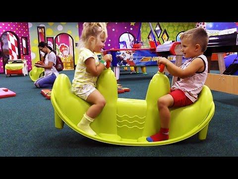 VLOG-Nashe-VOSKRESENE-Diana-i-Roma-Diana-Amusement-Park-Kids-Playroom-Igrovaya-Detskaya-Ploshhadka