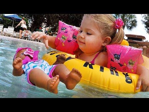 KUKLY-Water-Babies-Plavaet-v-Bassejne-baby-doll-toy-Igry-dlya-Devochek