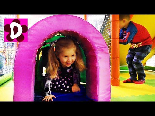 Diana-NA-BATUTE-BANDZHI-Vlog-Detskaya-Igrovaya-Komnata-Video-dlya-Detej-Playground-Fun-Play-Place-Vlog