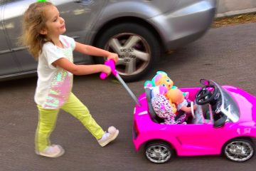 Cry-Baby-Dolls-by-Cry-Babies-Rutina-malenkogo-blogera-Katya-mama-Morning-routine-Pretend-Play