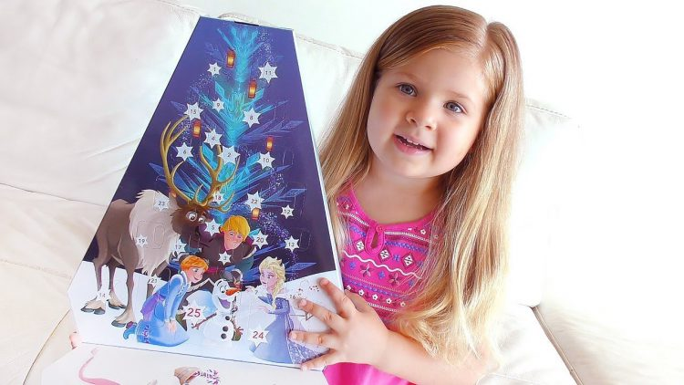 Diana-Opens-Advent-Calendar-Olafs-Frozen-Adventure-with-fun-Surprise-toys-for-kids-video