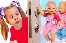 Diana-Pretend-Play-with-Baby-Born-Doll-Video-for-kids-Toys