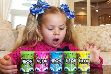 Diana-plays-with-Slime-Video-for-children