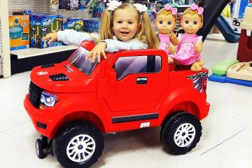Funny-Baby-doing-shopping-Supermarket-Song-for-children-Pretend-Play-kids-video
