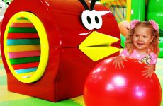 Funny-kids-play-on-Indoor-Playground-Family-Fun-Play-Area-for-kids-Baby-songs-Nursery-rhymes