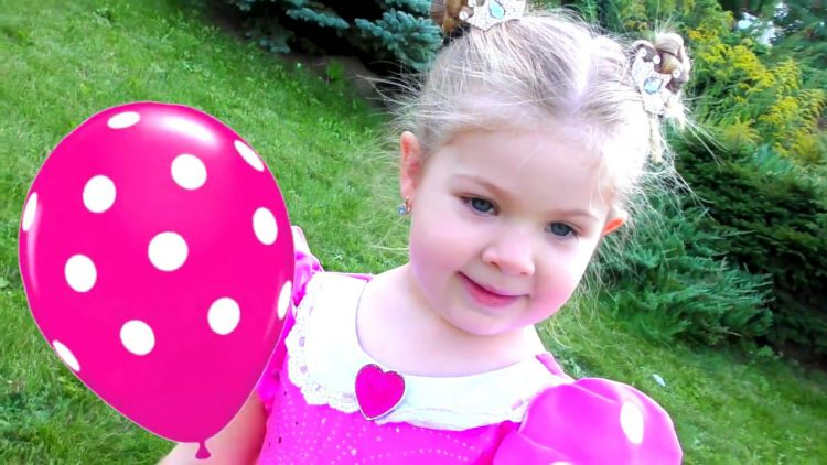 Learn-Colors-with-Balloons-and-Dresses-Finger-family-song-nursery-rhyme-Fun-learning-colors-for-kids