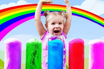 Learn-colors-with-Diana-and-colored-Foam-Finger-family-baby-song