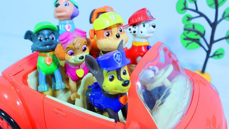 Paw-Patrol-in-the-Amusement-Park-Kinetic-Sand-Surprises-Toys