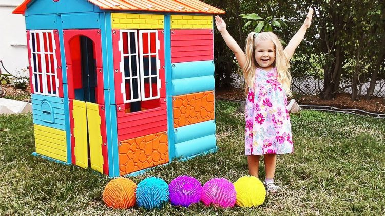 Diana-plays-with-color-balls-and-Finger-Family-song-Nursery-Rhyme-for-kids