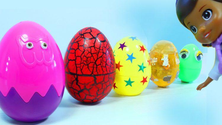 Doktor-Plyusheva-i-Syurprizy-Igrushki-Molniya-Makvin.-Uchit-tsveta.-Doc-McStuffins.-Surprise-Eggs