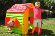 Roma-and-Diana-Pretend-Play-with-PlayHouse-for-kids-videos-for-children
