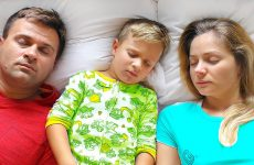 Are-you-sleeping-brother-John-Nursery-Rhyme-Song-for-Babies-Video-for-Kids