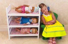 Diana-kak-MAMA-i-Kukly-pupsiki-Bebi-Bon-Diana-pretend-play-with-toys-Are-you-sleeping-brother-John