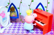 Peppa-Pig-Princess-Peppa-is-pianist-Morning-routine-Peppa-Printsessa-Peppa-dayot-kontsert