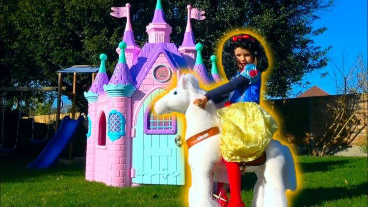 Pretend-play-Princess-Katya-s-kuklami-Cry-Baby-Dolls-Zamok-Printsess-Igrushki-i-Loshadka-Unicorn