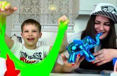 MiSTERY-BOX-podarok-s-ADIDAS-VANS-i-Nike-ot-Mister-Maks-dlya-Lyudy-Surprise-toys