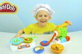 Plej-Do-KUHNYA-i-Danik-s-mamoj-gotovim-Spagetti-s-Lapshoj-i-Ovoshhi-iz-plastilina-Play-Doh-Kitchen