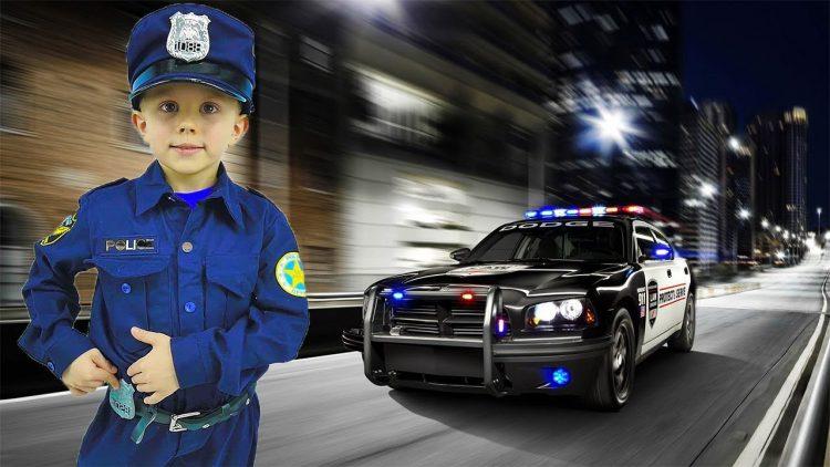 Politsejskij-Danik-i-Politsejskie-Mashinki-vse-serii-podryad.-Sbornik-detskih-video