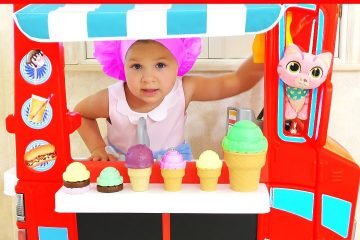 Diana-pretend-play-with-Baby-Dolls-Funny-Kids-videos-with-Toys