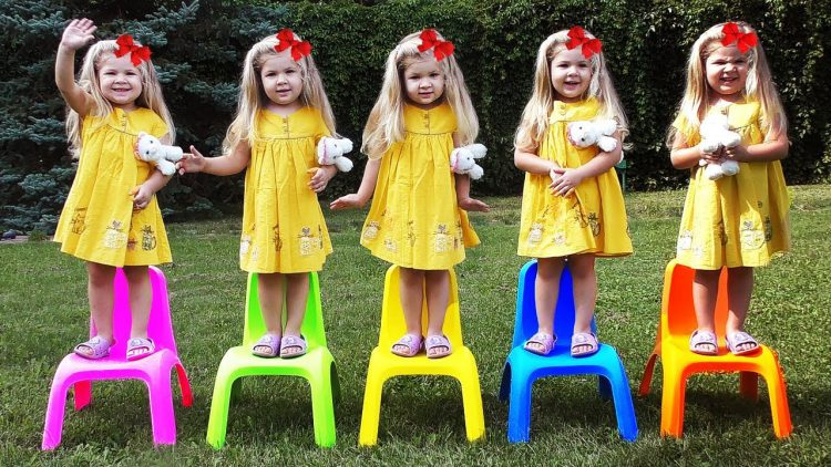 Five-little-Babies-Jumping-on-the-bed-nursery-rhyme-Baby-songs-learn-colors