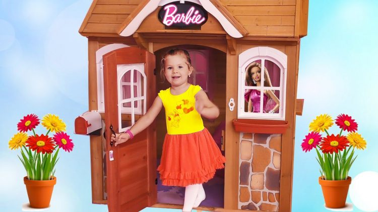 Kids-Playroom-Lady-Land-with-houses-and-dolls-Barbie