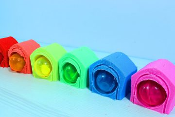 Kinetic-Sand-Cottages-for-Puppies-Learn-Week-Days-and-Learn-Colors