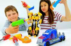Igry-s-Transformerami-Remontiruem-Bamblbi-Video-dlya-detej