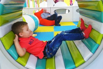Roma-plays-at-Indoor-Playground-for-Kids-Play-Time