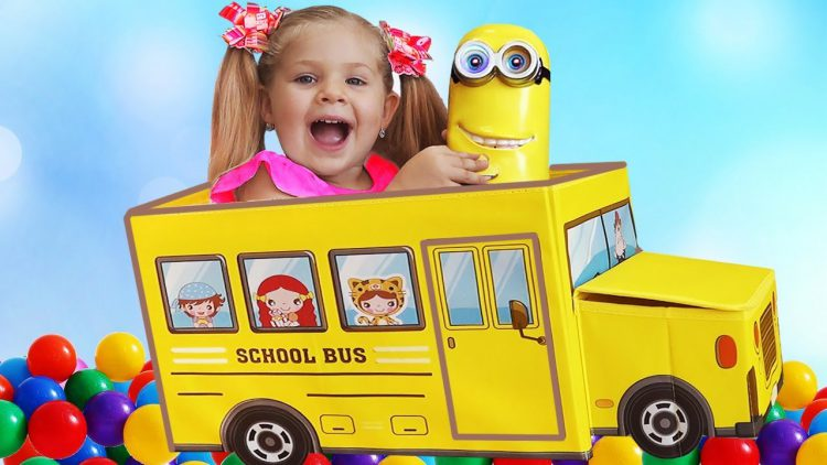 Wheels-on-the-Bus-song-for-kids-Learn-colors-with-balloons-Diana-pretend-play
