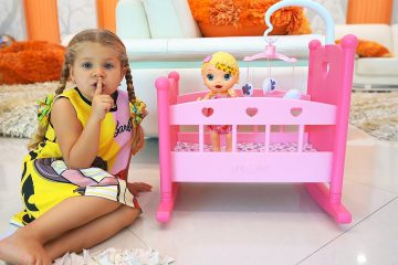 Diana-Pretend-Play-with-Baby-doll-and-toys