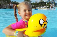 Diana-and-Papa-Pretend-Play-at-the-WaterPark-My-super-fun-day-with-Dad-and-kids-toys