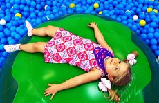 Roma-and-Diana-plays-at-Indoor-Playground-Family-Fun-Play-Area-for-Kids-fun-Play-time