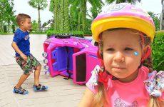 Diana-i-Roma-spasatel-Video-dlya-detej-Roma-and-Diana-pretend-play-rescue-mission