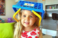 Diana-i-bardak-v-dome-Video-dlya-detej-Kids-Pretend-Play-Cleaning-the-House