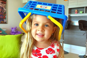 Diana-i-bardak-v-dome-Video-dlya-detej-Kids-Pretend-Play-Cleaning-the-House