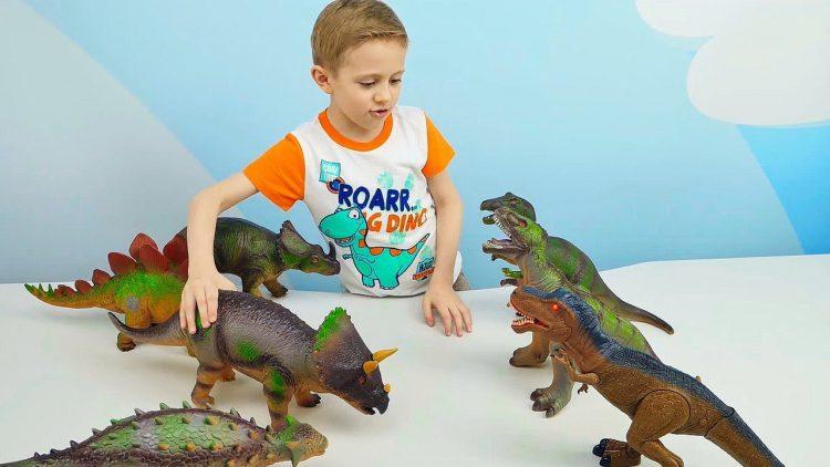 Dinozavry-IGRUSHKI-Hishhniki-protiv-Travoyadnyh.-Multiki-Igry-pro-Mashinki-i-Dinozavra