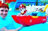 SHHenyachii-patrul-i-kukly-LOL-v-akvaparke-Video-dlya-detej