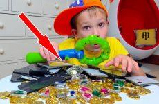 Deti-nashli-Strannyj-Klad-u-nas-vo-dvore-20-iPhone-X-brillianty-i-ne-tolko