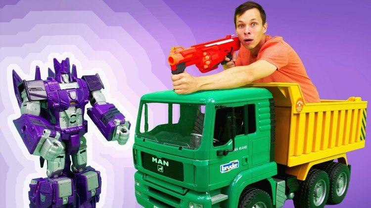 Igry-gonki-Fyodora-i-Deseptikonov-Video-s-mashinkami-i-Transformerami