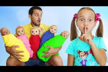 Sofia-and-Dad-Pretend-Play-with-Little-Baby-Dolls