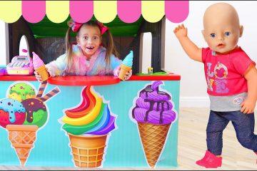 Sofiya-i-papa-igrayut-v-detskij-magazin-morozhenogo-Sofia-Pretend-play-selling-plastic-ice-cream