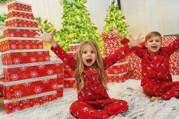 Diana-and-Christmas-Presents