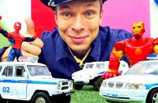Mashinki-v-video-Supergeroi-i-inspektor-Fe-dor-sledyat-za-dorogoj