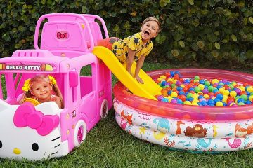 Diana-play-with-New-Toy-Bus