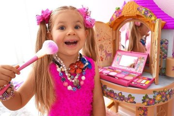 Diana-pretend-play-makeup-toys