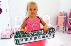 Diana-Pretend-Play-Talent-Show-with-Musical-Instruments-Toys-for-Kids