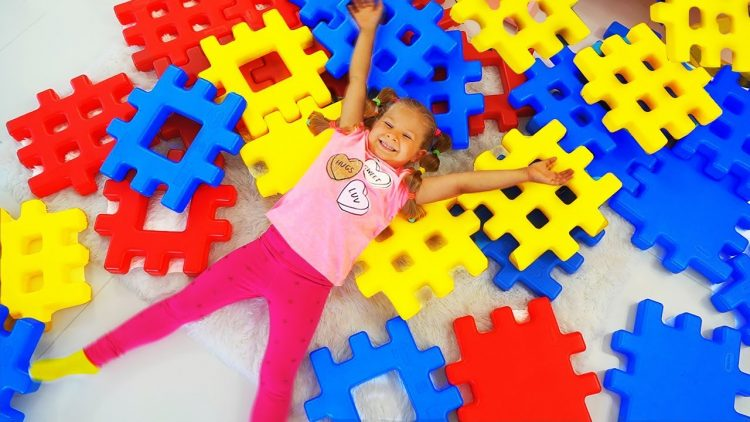 Diana-Pretend-Play-with-Building-Block-Toy