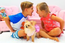 Diana-and-Roma-play-with-a-Dog-and-older-sister